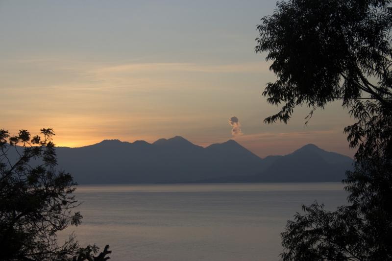 Sunrise on Atitlan_1